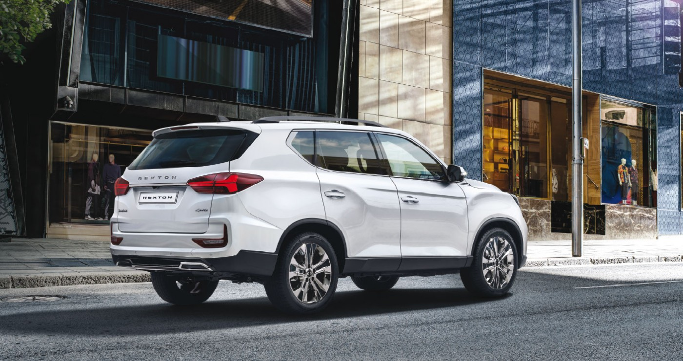New Rexton Y450 Rear Style